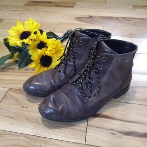 Clark's Leather Suede Lace Up Boots 9
